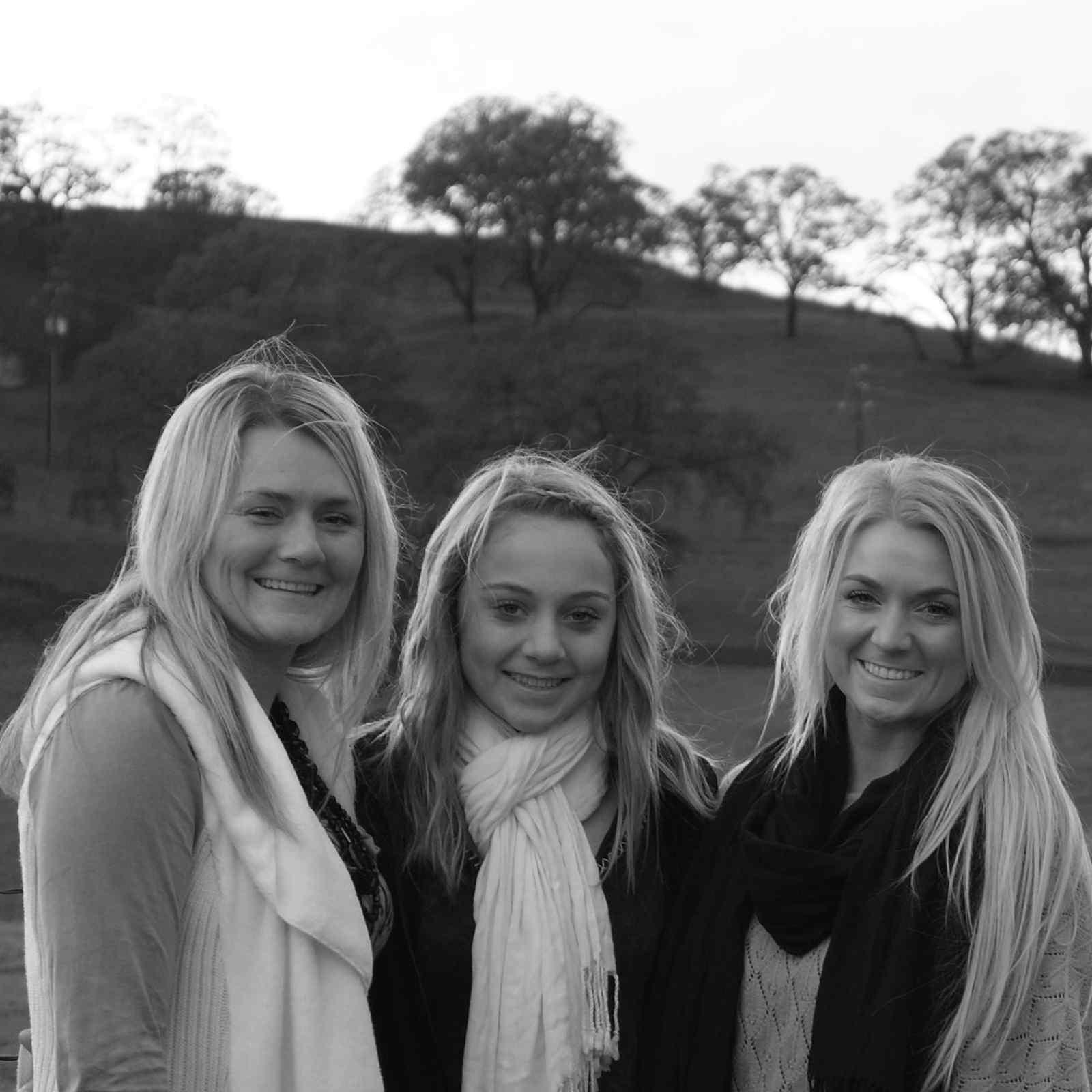Schnoor Sisters